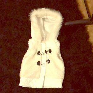 White and black vest 3T